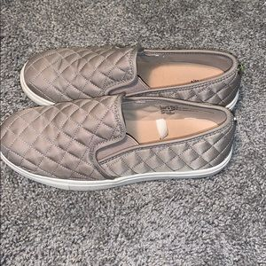 👟Mossimo Slip-On Shoes👟
